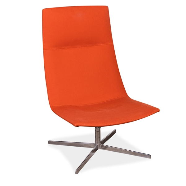 Image of   Arper. Catifa 70. loungestol. Orange polster. Poleret aluminium swivel stel.