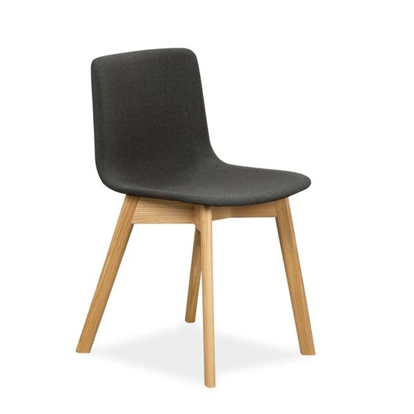 Image of   Fredericia. Pato Wood legs. Olieret eg. Mørk grå / sort polster. DEMO.