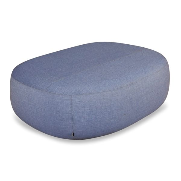 Image of   +Halle loungepuf i blåt stof. 140x105
